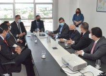 Foto da visita dos Deputados Ricardo Barbosa, Branco Mendes e Juthay Menezes ao Presidente Saulo Benevides